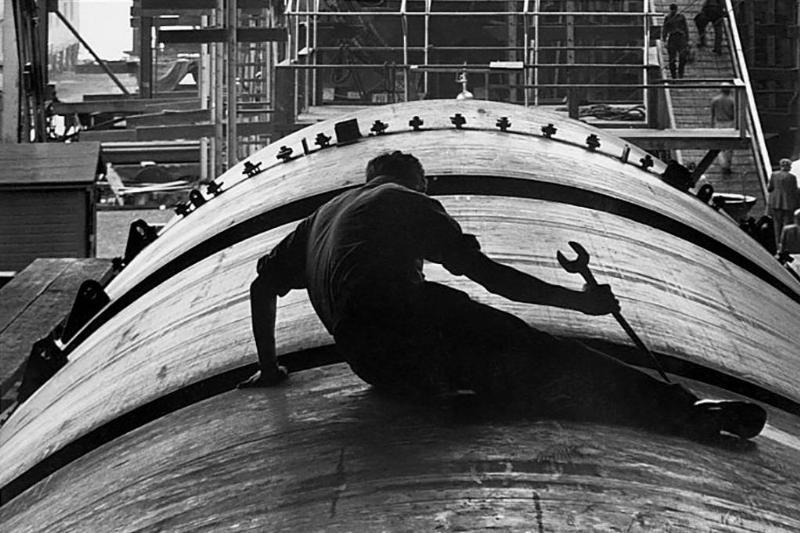 Man working on submarine