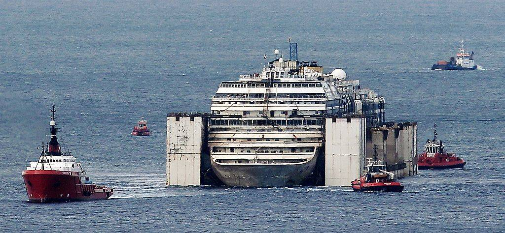 costa concordia being towed