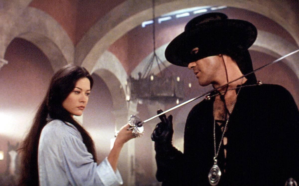 Zorro and Elena duel
