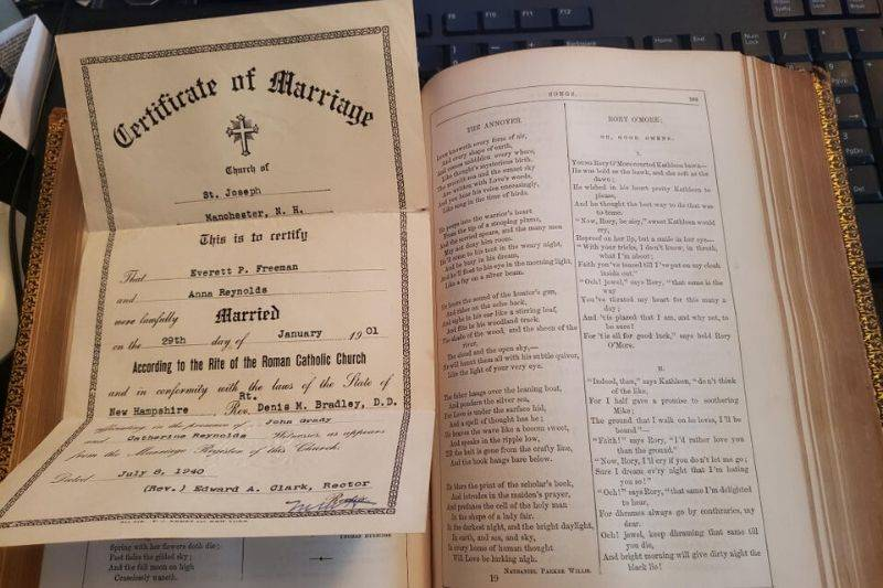 a marriage certificate from the 1940s