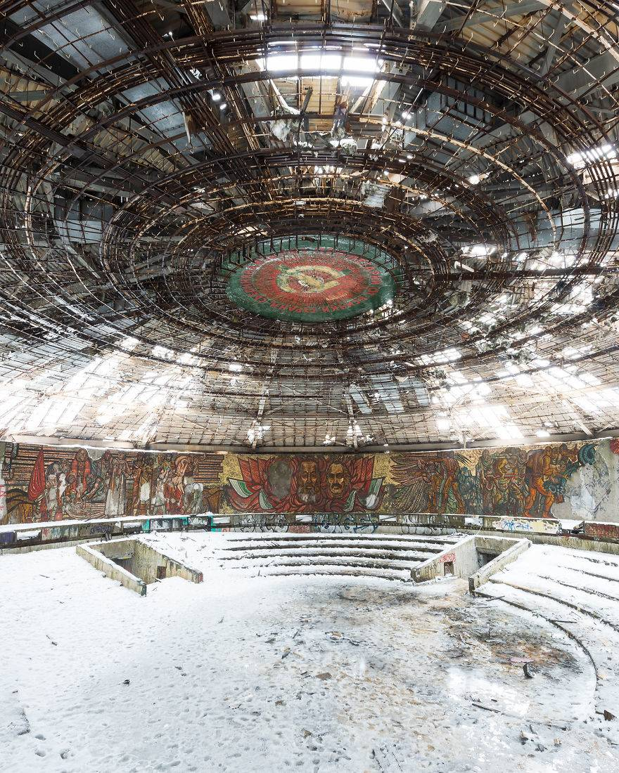 Aesthetics-images-that-will-let-you-escape-from-the-contemporary-world-through-abandoned-places-of-a-faded-past-5ebb10ac7f593__880