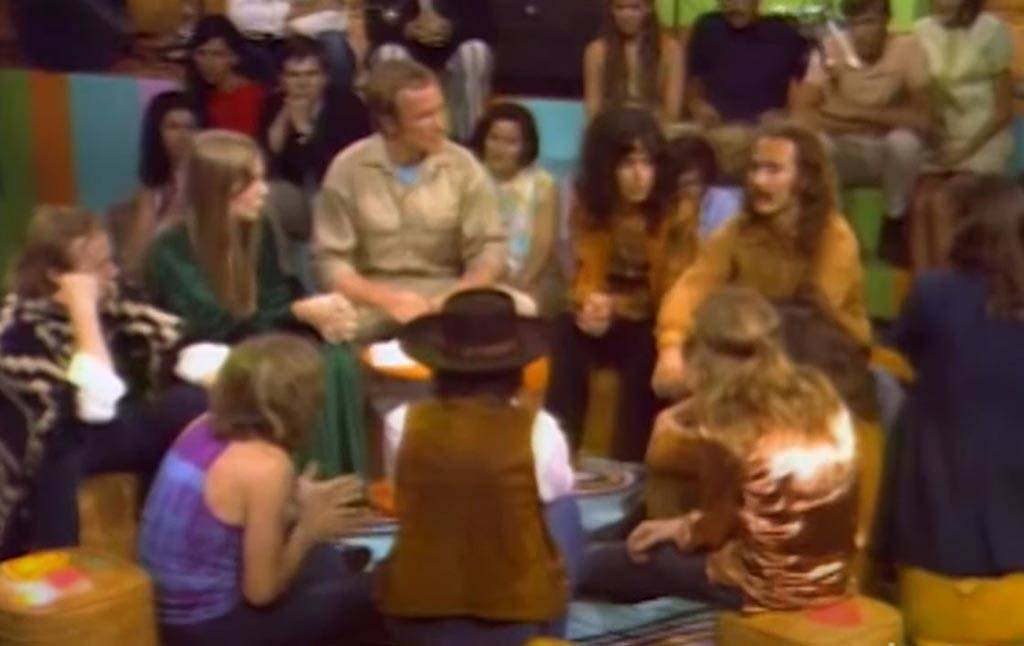 Cavett with Woodstock musicians