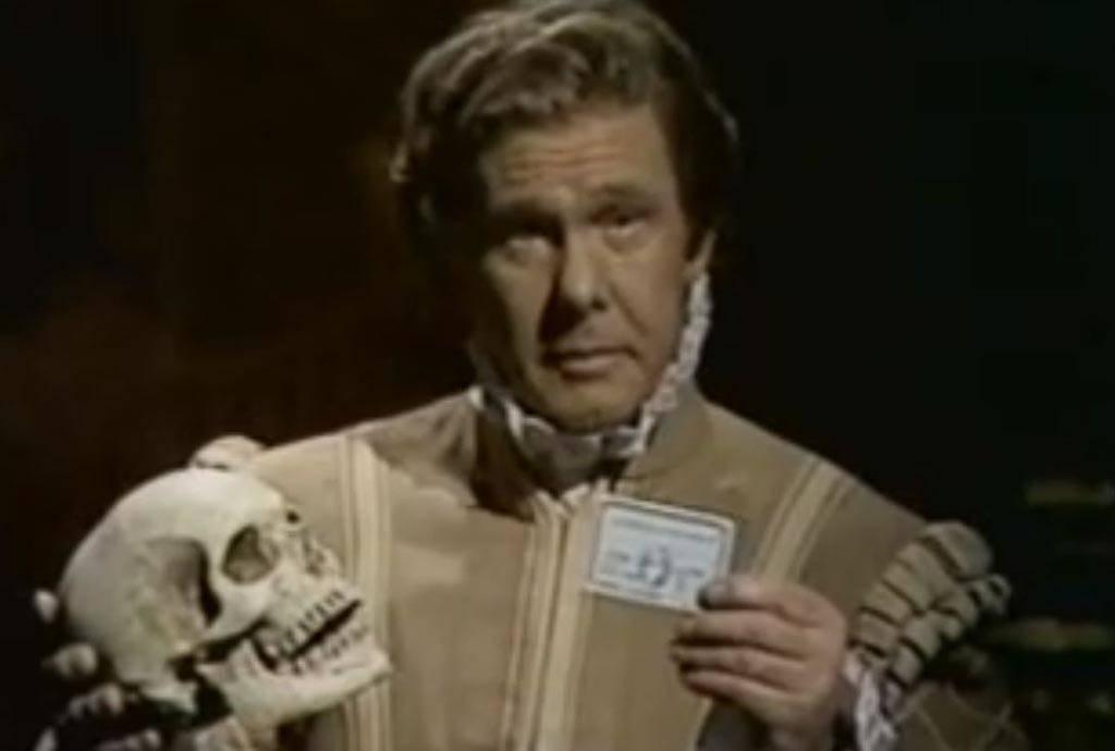 Carson dressed as Hamlet
