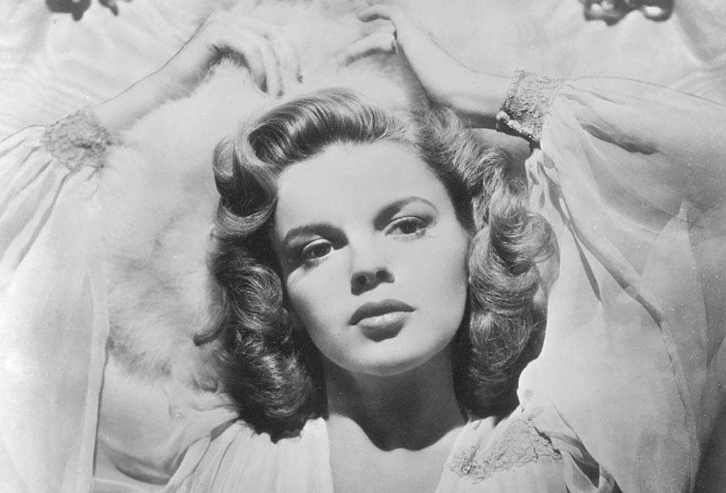 Judy Garland posing