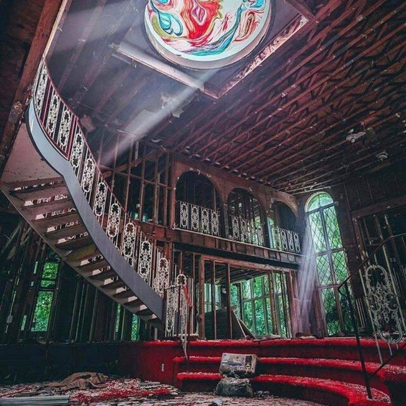 an old party house left abandoned