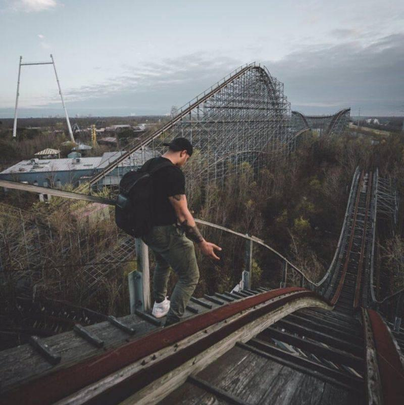 pictures of an old amusement park