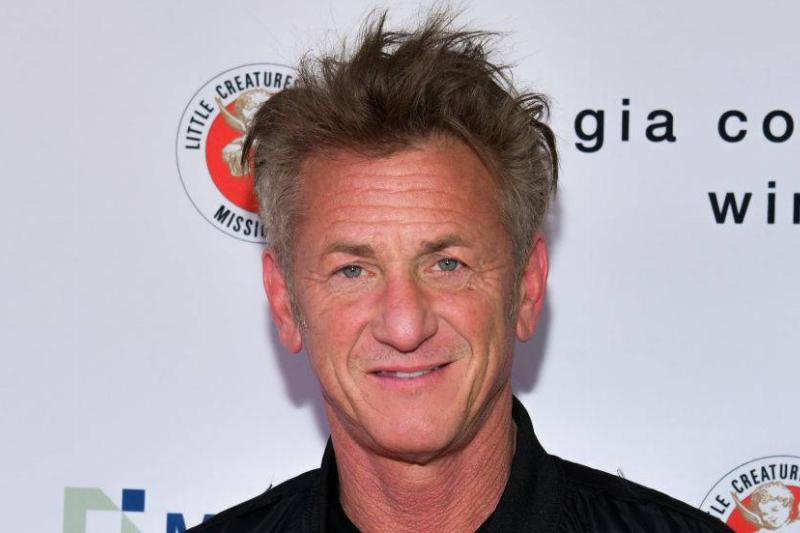 Sean Penn attends The Greater Los Angeles Zoo Association