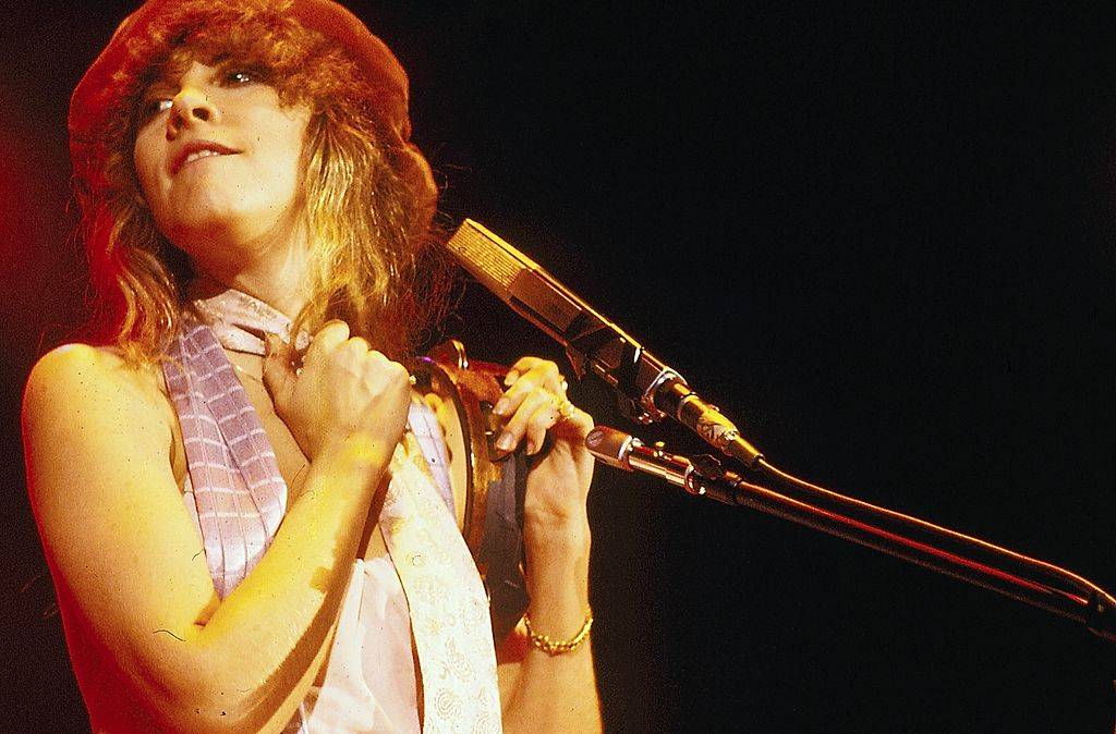 American singer Stevie Nicks on stage, circa 1975.