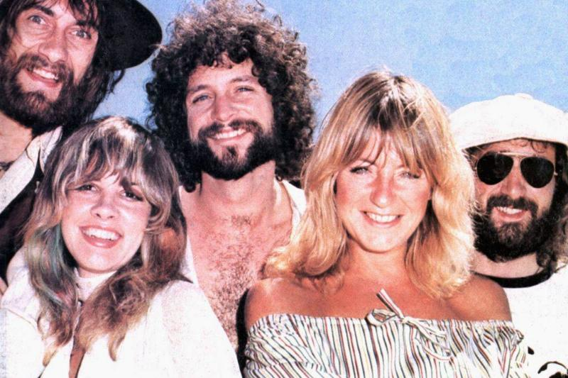 Photo of FLEETWOOD MAC; L-R: Mick Fleetwood, Stevie Nicks, Lindsey Buckingham, Christine McVie, John McVie.