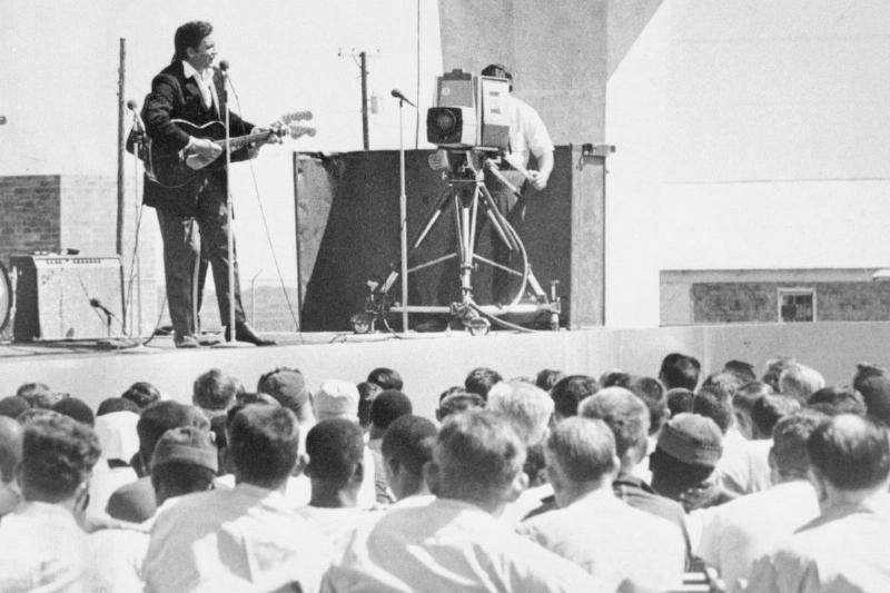 Johnny Cash Singing For 800 Inmates At Cummins Prison Farm
