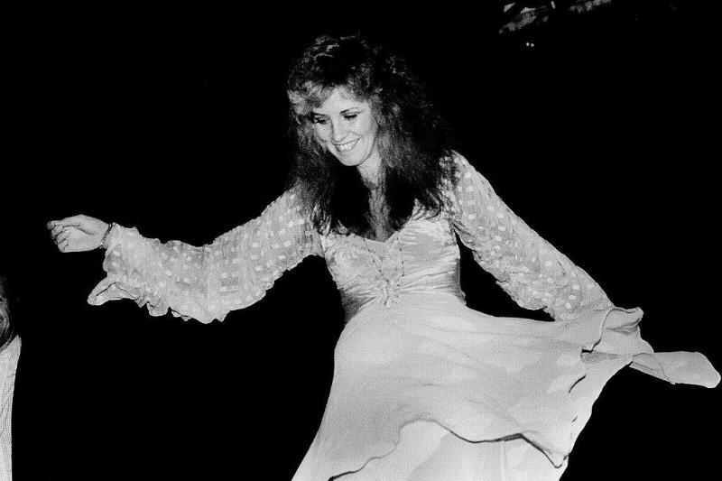 American musician Stevie Nicks attends a Warner Brothers Records event, Chicago, Illinois, July 29, 1981.