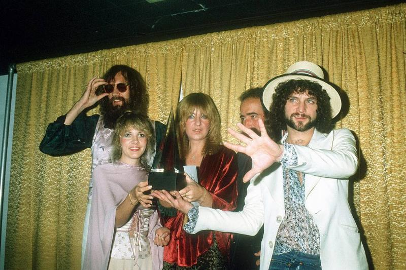 Fleetwood Mac (L-R Mick Fleetwood, Stevie Nicks, Christine McVie, John McVie and Lindsey Buckingham) pose for photographers backstage at the 5th American music Awards