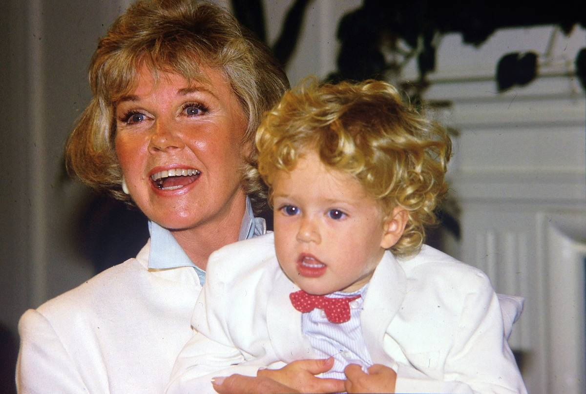 Doris Day holds her young grandson, Ryan Melcher.