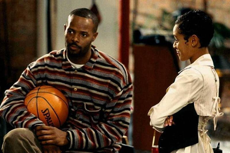 keenen ivory wayans holding a basketball and jada pinkett smith in a low down dirty shame