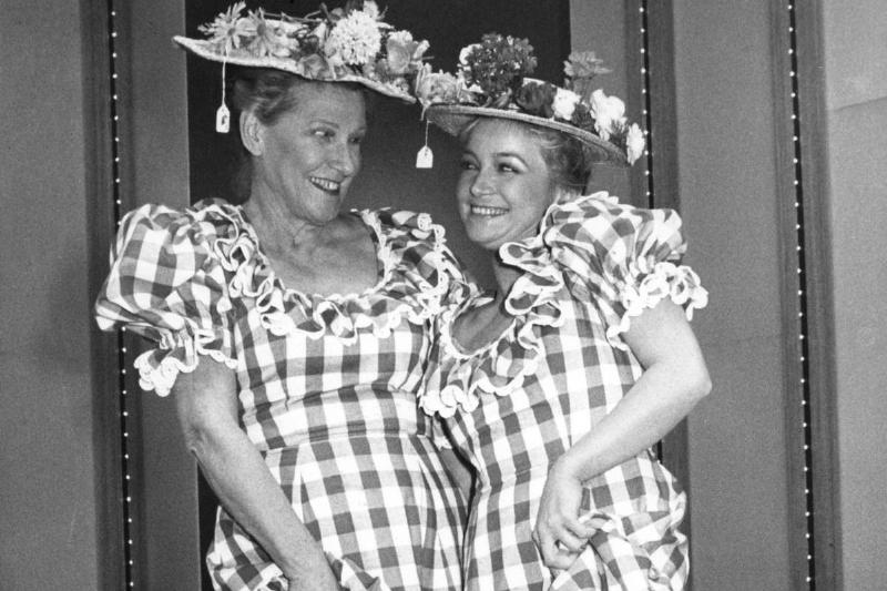 Barbara Mandrell and Minnie Pearl