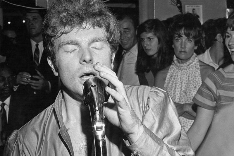 Van Morrison singing