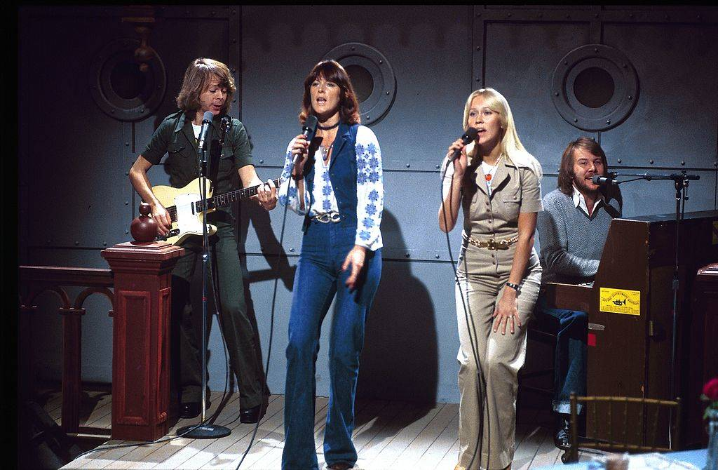 abba performing as the musical guests on snl