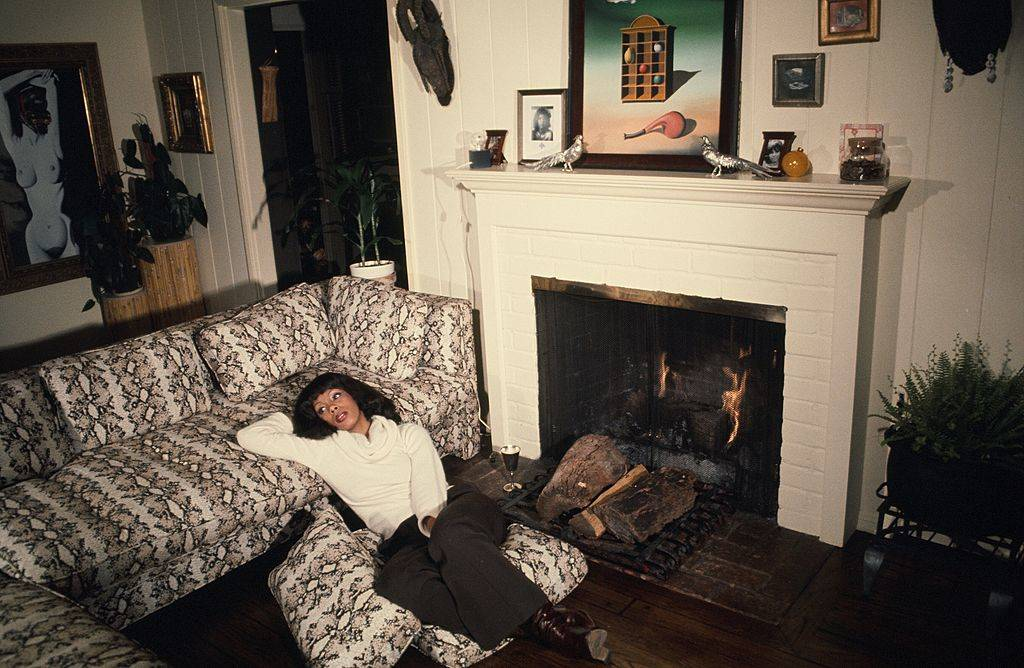 donna summer sitting in her living room