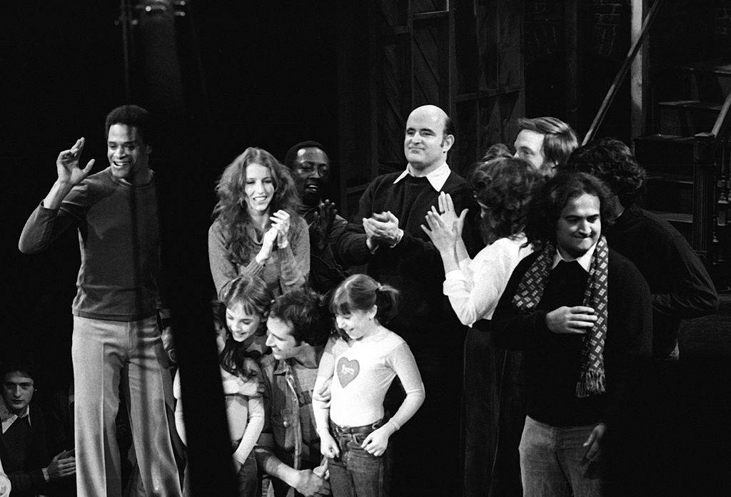 cast members of snl at the end of the show