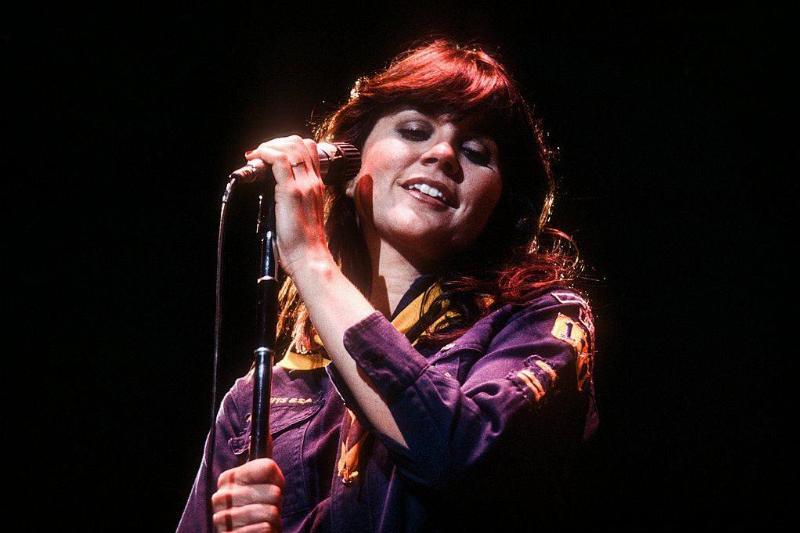 Linda Ronstadt performing on stage