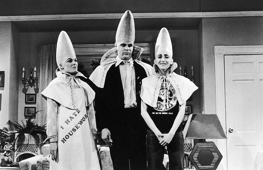 Jane Curtin, Dan Aykroyd, and Laraine Newman in The Coneheads