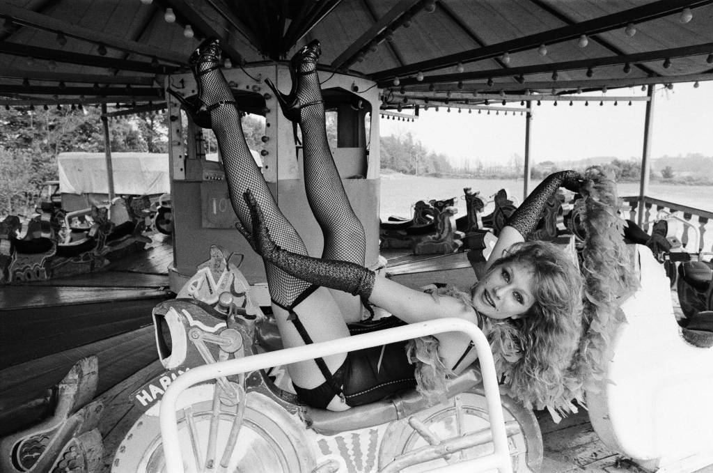 fishnets-1975