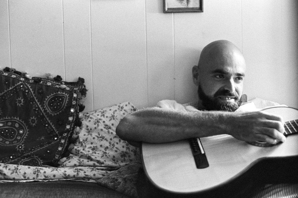 shel silverstein playing guitar