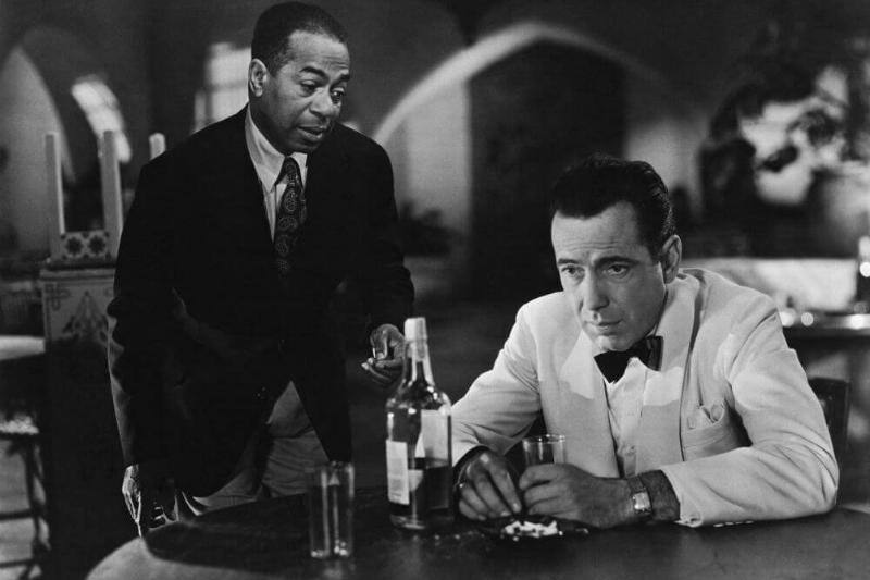 Bogart-Drinking-Casablanca-50780-49797