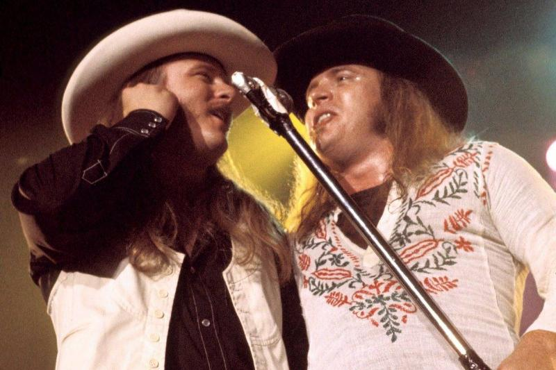 Photo of LYNYRD SKYNYRD and Ronnie VAN ZANT and Donnie VAN ZANT