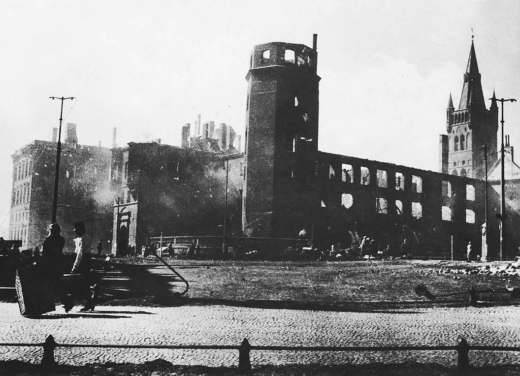 black and white photo of Königsberg Castle