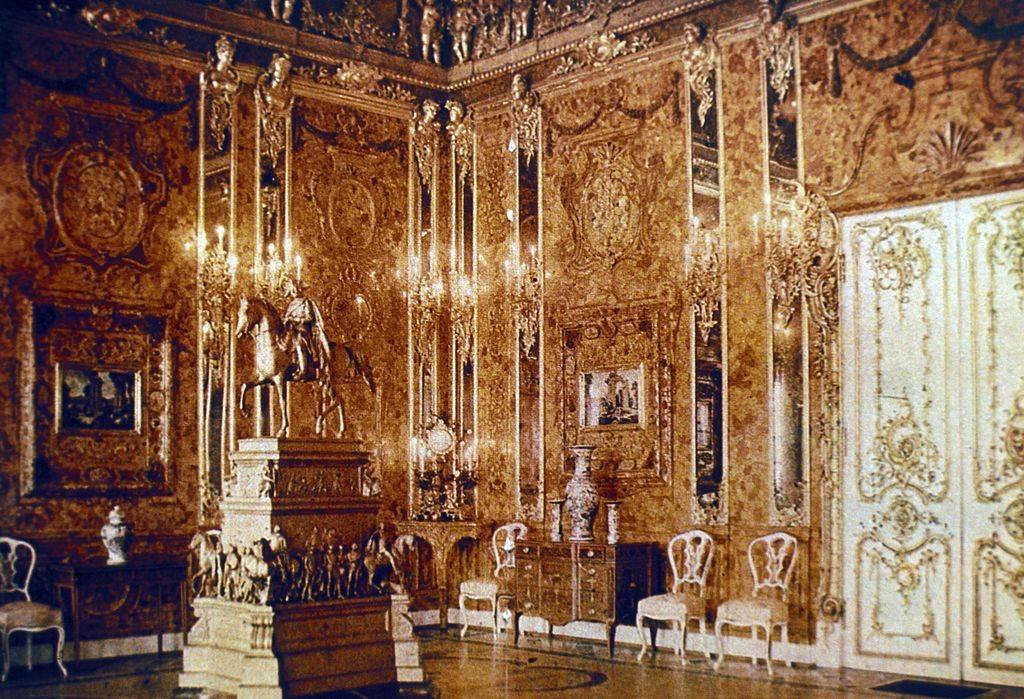 Amber room of catherine palace, tsarskoye selo