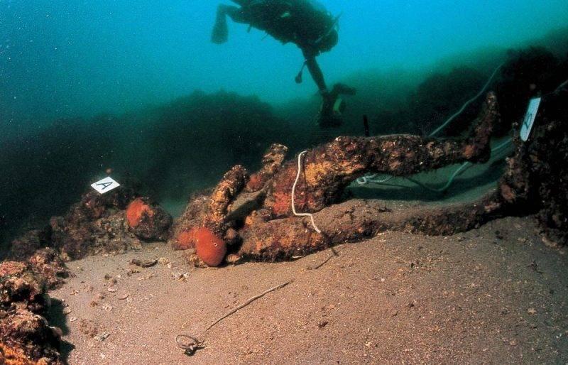 statue-in-the-sea-26753