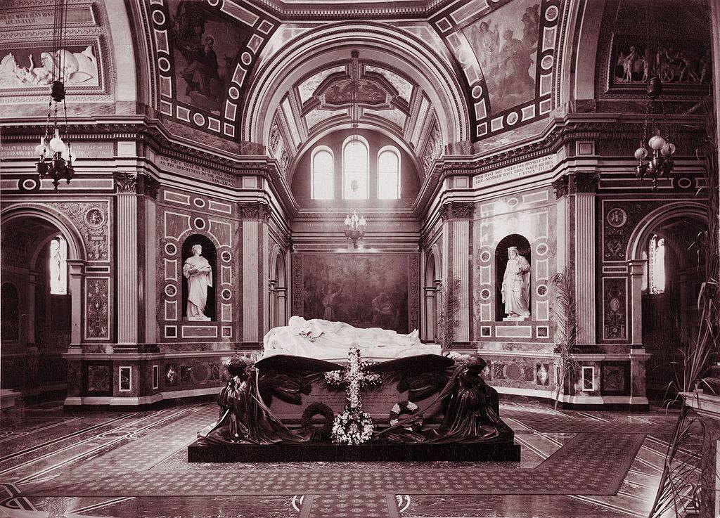 Picture of Albert's tomb