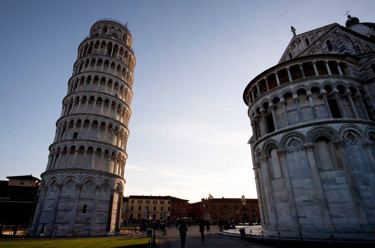 A photo shows the Leaning Tower of Pisa.