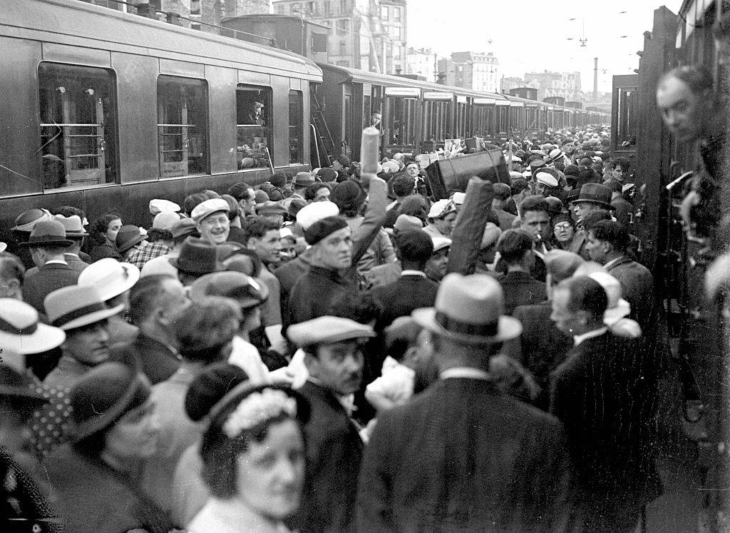 A platform at the Gare Montparnasse, crowded with civilians leaving Paris ahead of the advancing German army