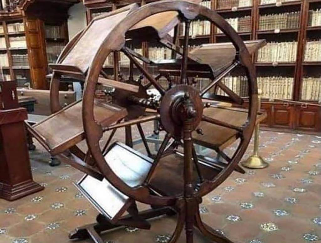 Picture of bookwheel