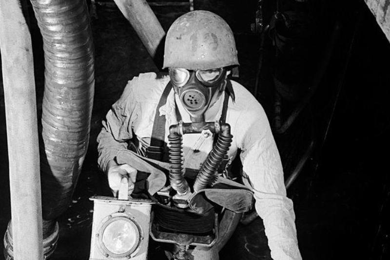Picture of man in gas mask