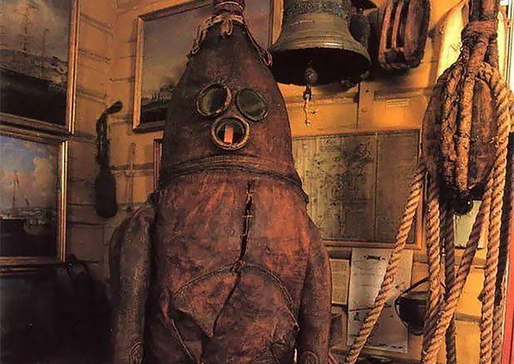 Picture of Diving Suit