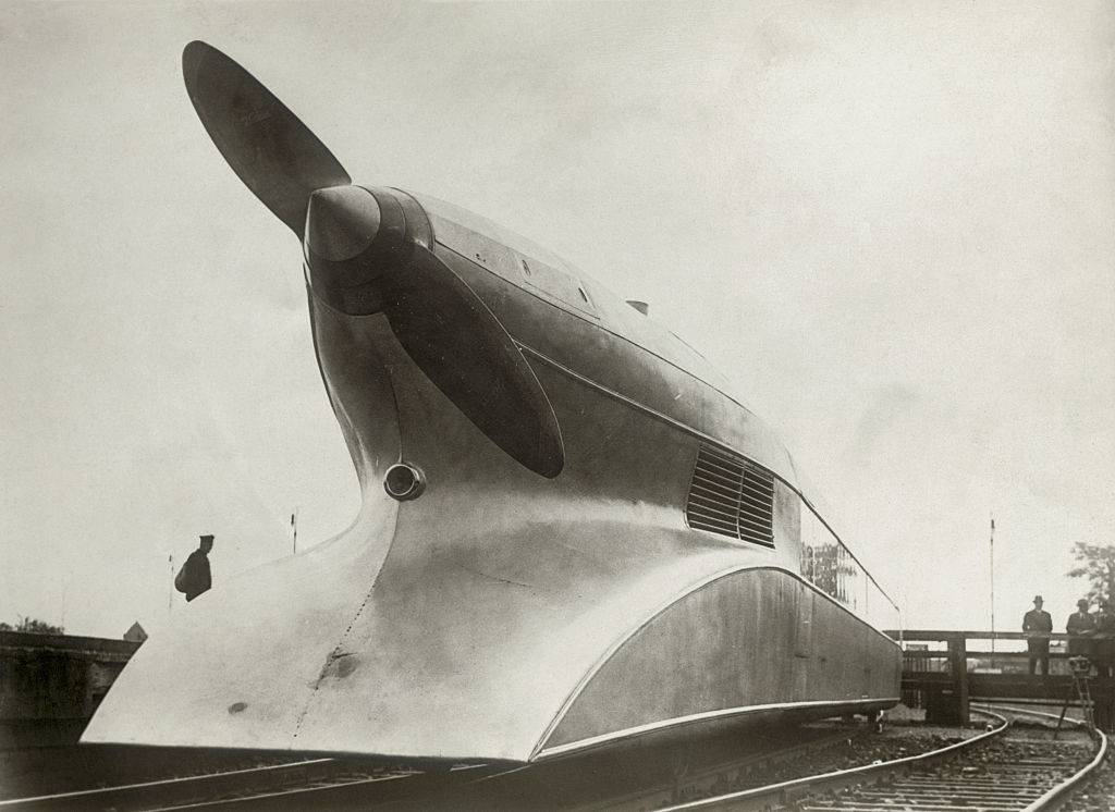 Picture of a rail zeppelin