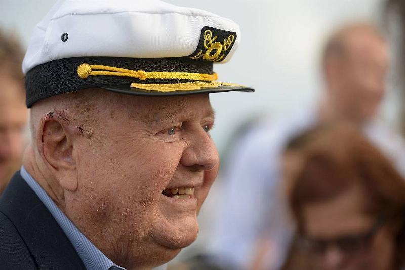 dick van patten wearing a sailor hat