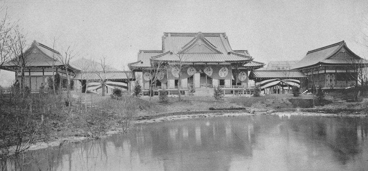 An 1893 panoramic photo shows the Phoenix Temple in Japan.