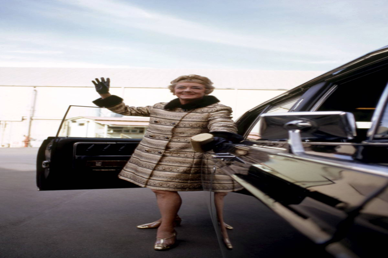 Bette Davis Waving To The Crowd
