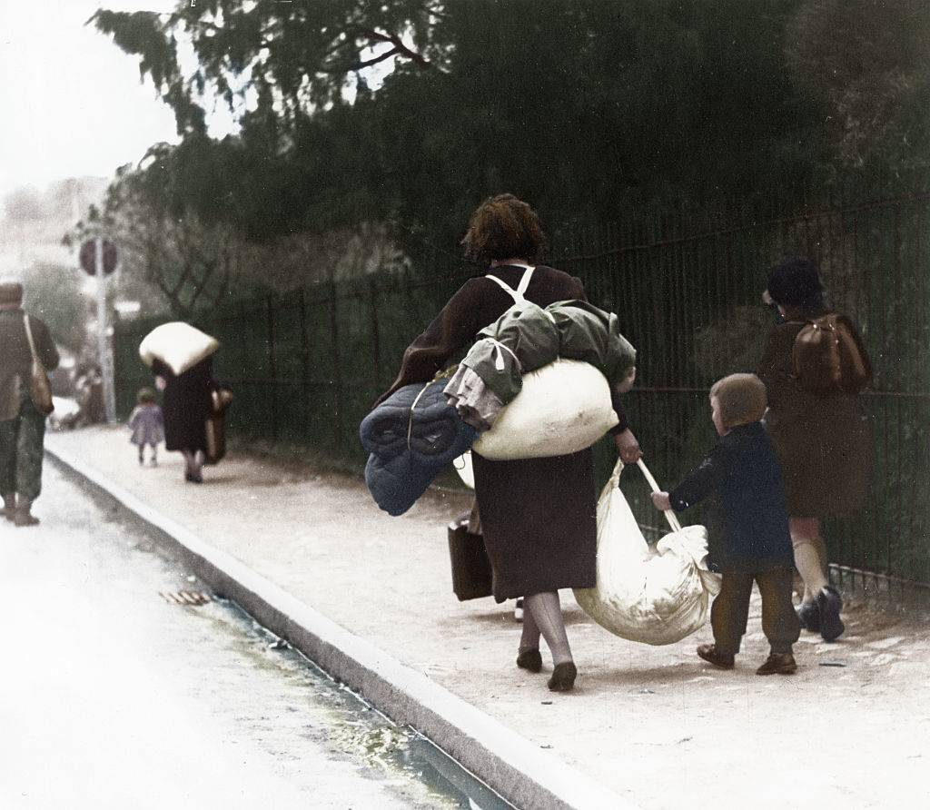 Picture of refugees