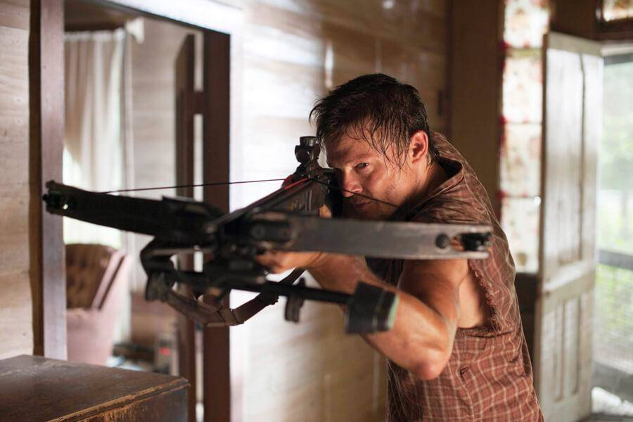 darryls-crossbow-from-the-walking-dead-is-sold-at-walmart-52664