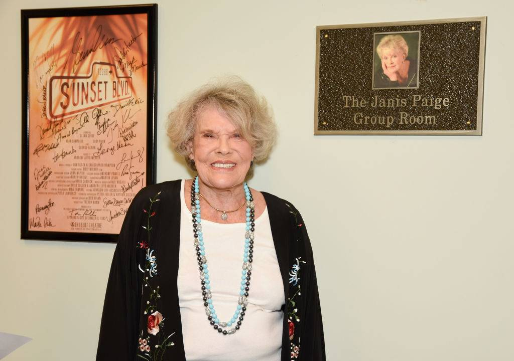 janis paige attends a commemoration ceremony in 2017