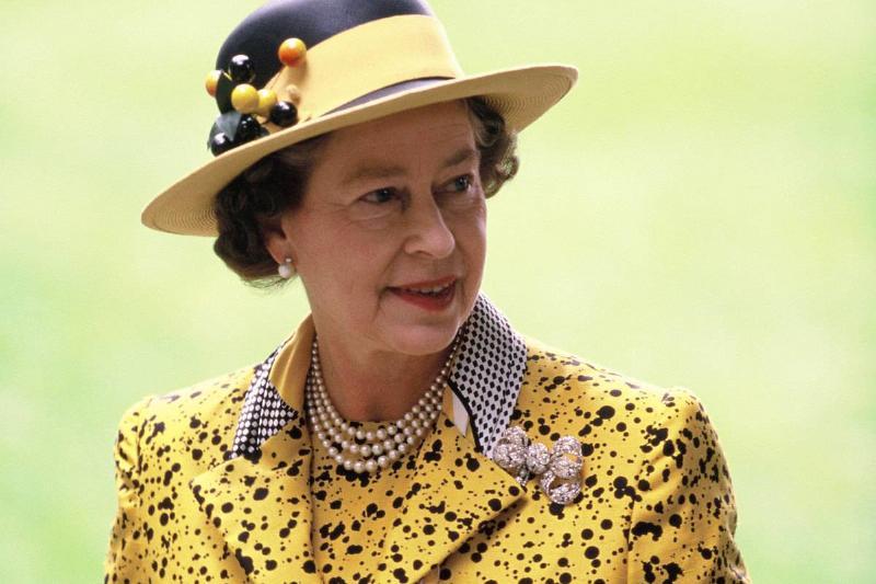 queen-elizabeth-ii-1988