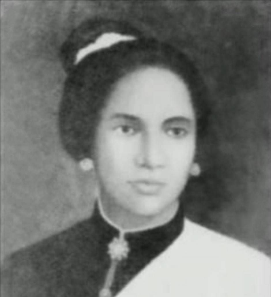 Cut Nyak Dhien is photographed in 1908.