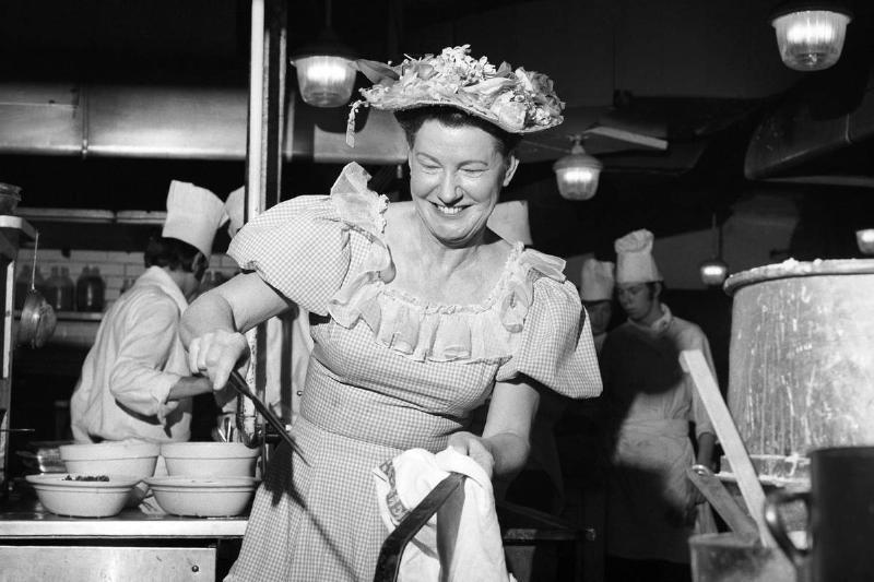 Minnie Pearl's Fried Chicken