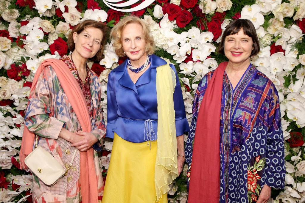 Ingrid Rossellini, Pia Lindstrom, and Isabella Rossellini posing for a photo in 2017