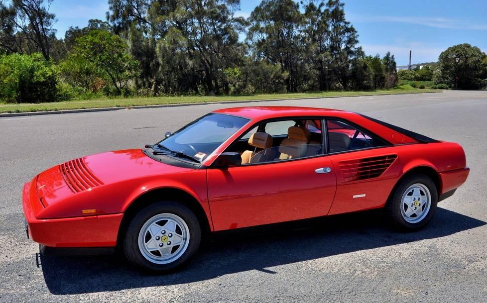 Ferrari-Mondial-3.2-side